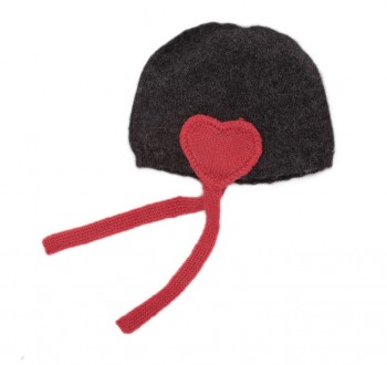 heart-hat-grey-red